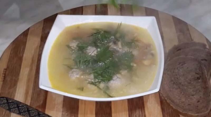 Суп с фрикадельками грибами и сыром