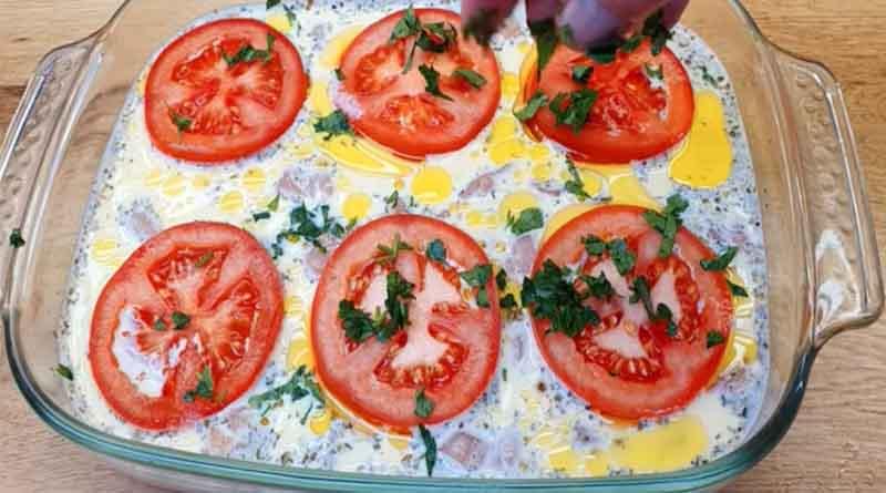 Куриная запеканка с помидорами
