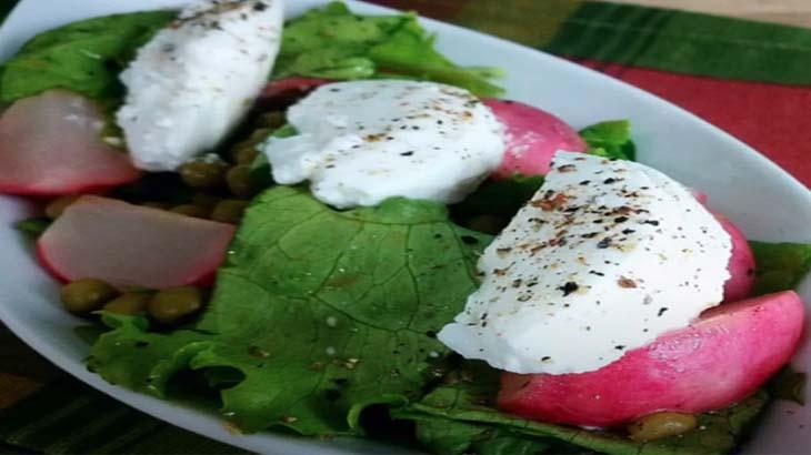 Салат с редисом и сыром Рикотта