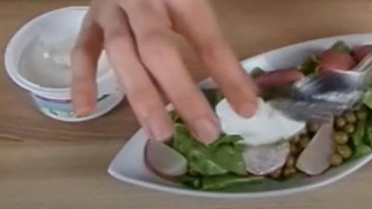 """Добавление сыра """"Рикотта"""" в салат"""