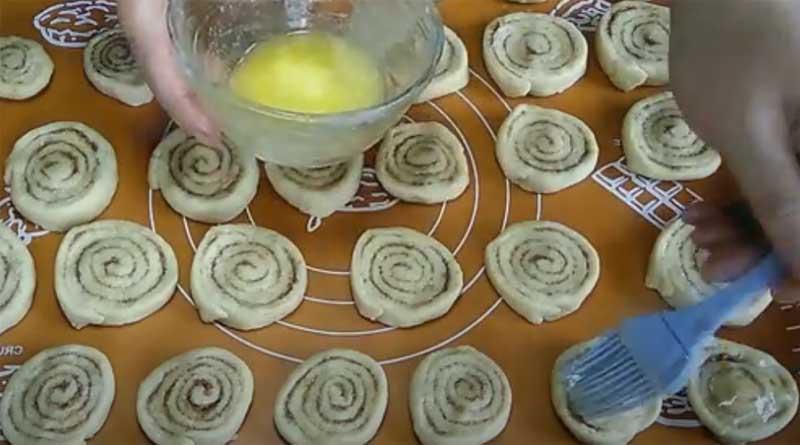 Подготовка печенья к выпеканию