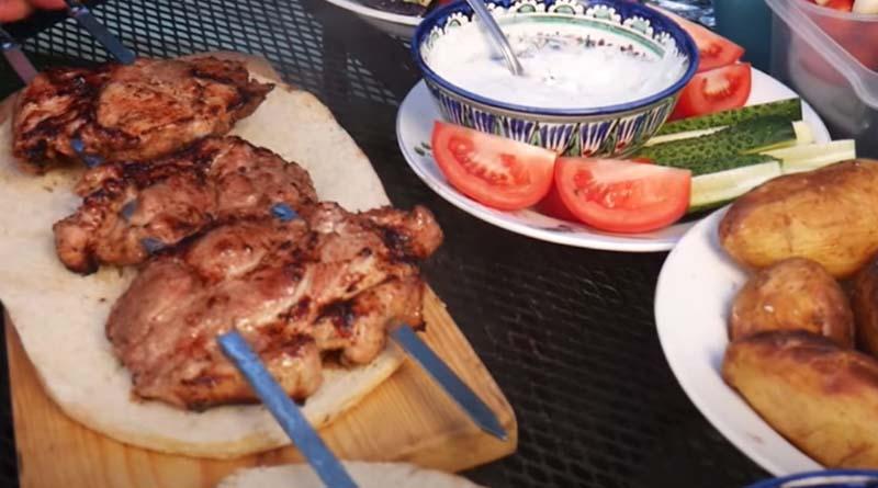 Мясо на шампурах