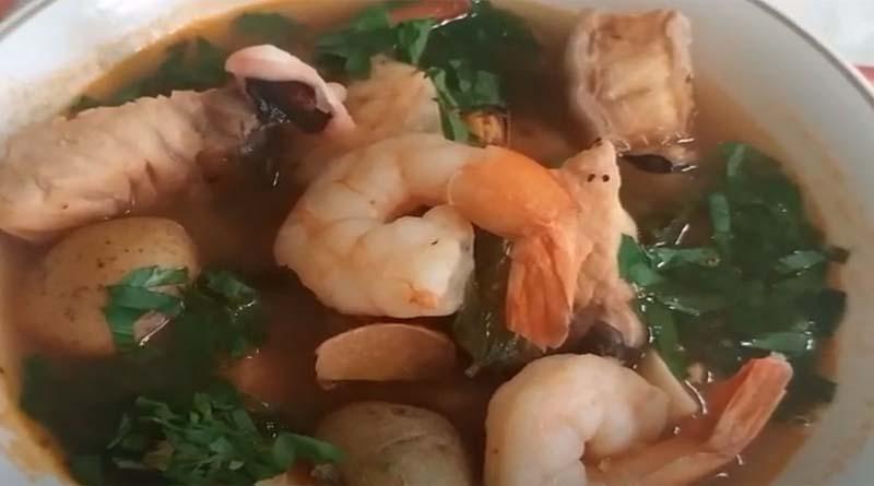 Суп с креветками и рыбой