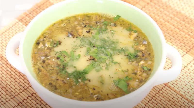 Суп из рыбной консервы с плавленым сыром