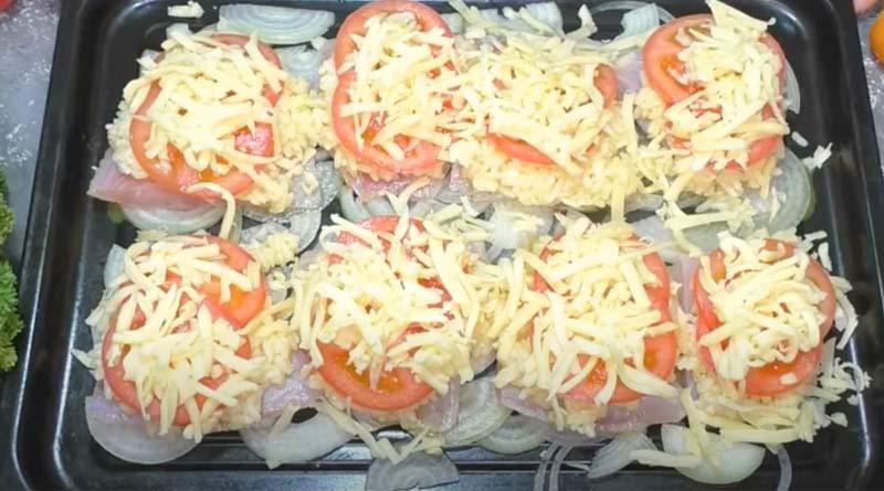 Рыба под сыром с помидорами