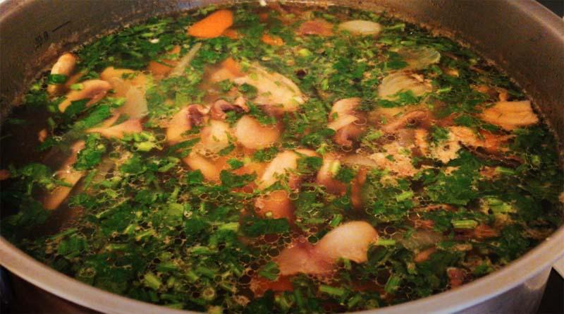 Суп из курицы с грибами и тыквой