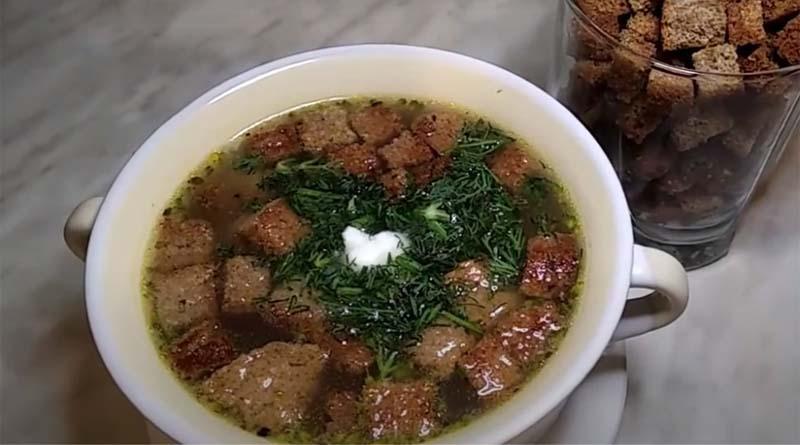 Суп с гренками из ржаного хлеба